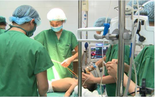 Cảnh báo: Trẻ nhập viện vì Táo bón tăng đột biến, biến chứng nguy hiểm