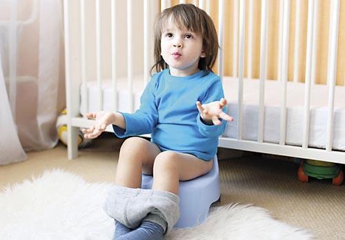 10 mẹo dân gian trị táo bón cho trẻ đơn giản, dễ làm không cần tháo thụt