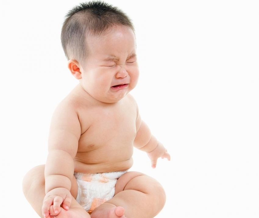 Trẻ sơ sinh bị táo bón: 4 nguyên nhân và cách trị táo bón ở trẻ sơ sinh
